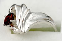 Ring Garnet - Garnet in Sterling Silver Ring